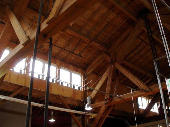 Pier-56_ceiling